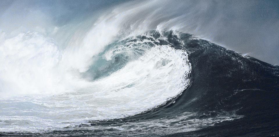 wave-1913559_960_720_cx